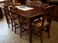 Un tavolo di produzione artigiana