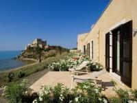 Falconara Charming House & Resort