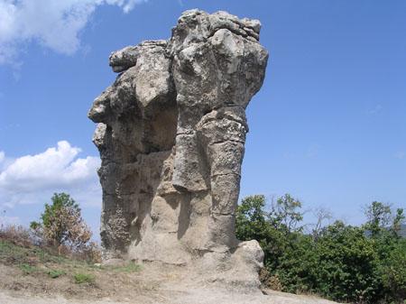 I Giganti di pietra dell'Incavallicata