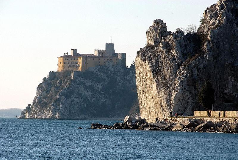 Duino, il castello della poesia